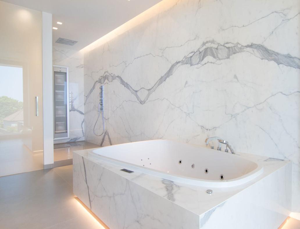Marmeren Badkamer Vloer : Marmer tegel badkamer vloer marmer badkamer excellent bruin haard